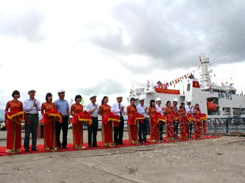 Bàn giao tàu kiểm ngư số 2 tại Công ty Đóng tàu Hạ Long